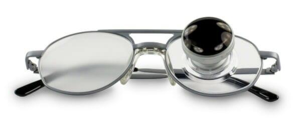 Fernrohlupenbrille